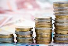 Минимальная зарплата в ЕС доходит почти до 2 тыс. €