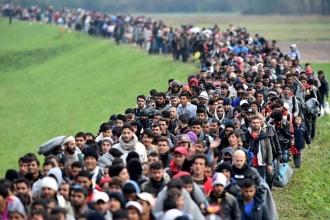 Принимать беженцев намерены заставить страны, не входящие в ЕС, в Брюсселе