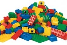 Тысячи людей претендуют на вакансию конструктора LEGO в Великобритании