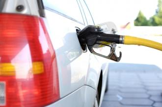 Вернуться к старой формуле расчета цен на нефтепродукты предлагают власти