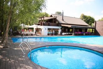 Налоговая служба проверит владельцев бассейнов и баз отдыха